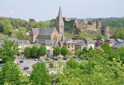 Discover the magnificent castle of La Roche-en-Ardenne in Luxembourg province