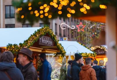 Enjoy a mulled wine at Louvain-la-Neuve's Christmas market